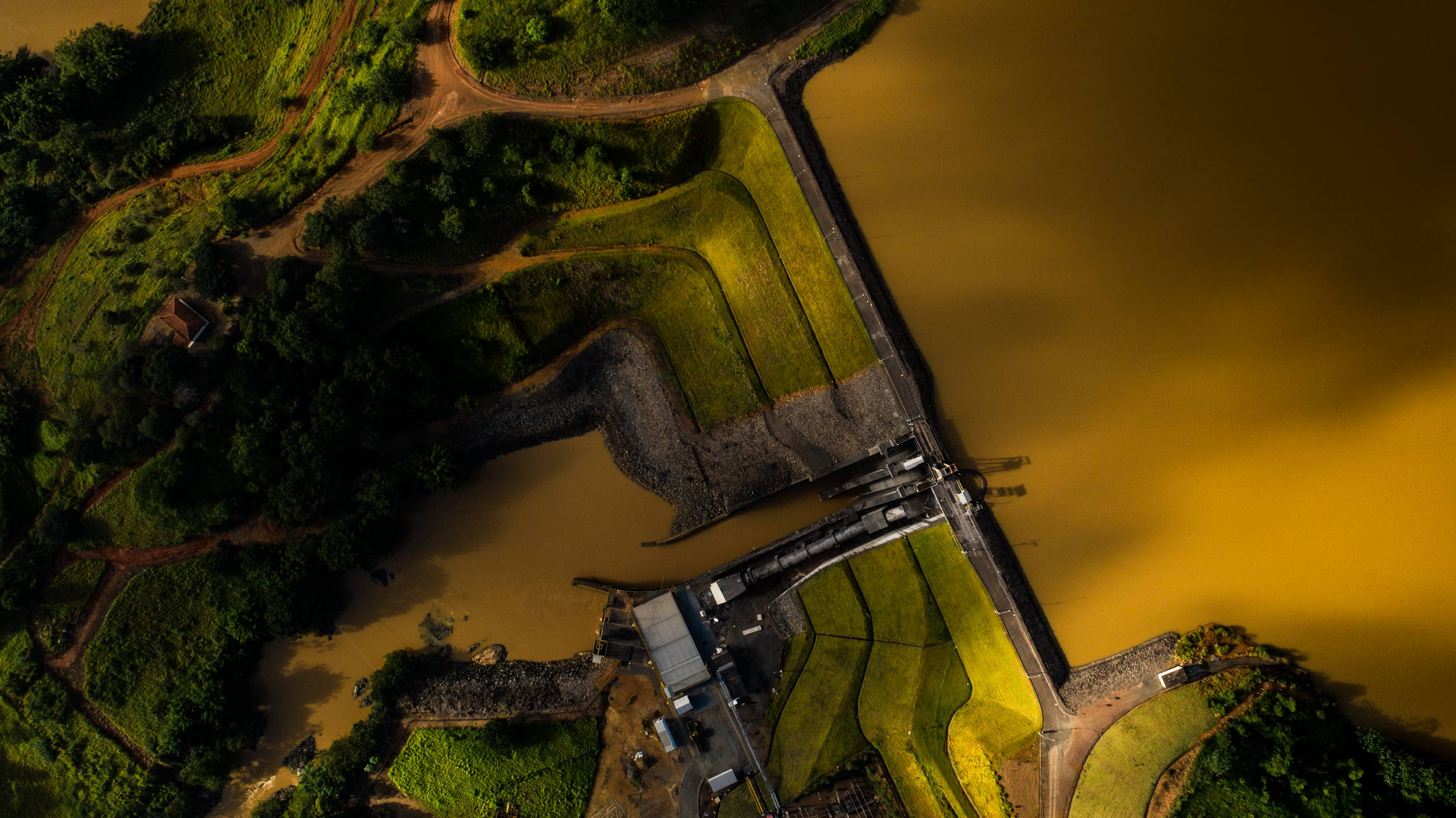 Aerial view of a hydroelectric dam | Scott Gable industrial photographer